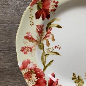 (2) 222 Fifth Lutece Fine Chine Plates